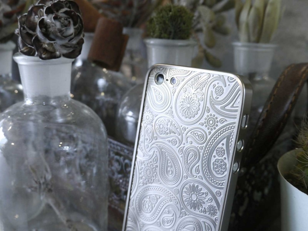 MORPHA WORKSの薄金 for iPhone5/5s - Paisley